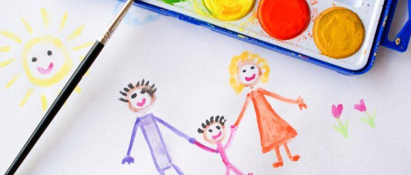 5-zapretov-dlya-roditelej-pri-detskom-risovanii
