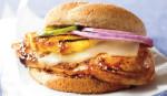 Гамбургер с курицей и ананасом